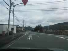 道路の合流時のウインカー、どっちが正解?