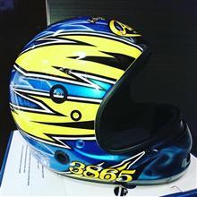 モーターボートレース用のヘルメットです!