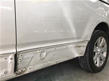 『三菱 デリカ 左フロントドア・スライドドア板金・塗装・修理』