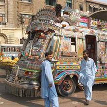パキスタン人が「高価な日本の中古車」を選び「低価格な中国の新車」を買わない理由