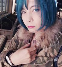 髪色をターコイズブルーに変えました♡