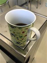 今日のコーヒー@会社でモカ。薄い断然薄いが飲む。少し欲張りすぎて、お湯多め(笑) でも、グッドサウンドでゴキゲンww