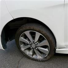 妻車、自爆で壊れる。