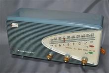 ナナオラ(七欧通信機)真空管ラジオ 5M-55