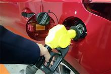 皆さん、ガソリンはどこで入れますか? そしてガソリン / オイル添加剤って、本当に必要なのですか?