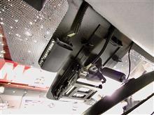 最新ドライブレコーダー、コンパクトでスマートですね。