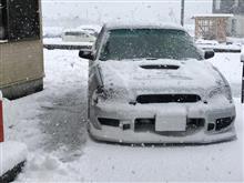 ルーフの雪はおろして走りましょうね。