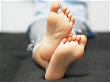 女の子の足の臭いを再現した「唐揚げ」が登場!仮面女子とのコラボ