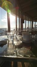 今日は 海際で お茶 ♪