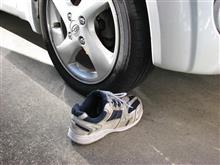 安全靴って安全なのかR2に踏んでもらいました