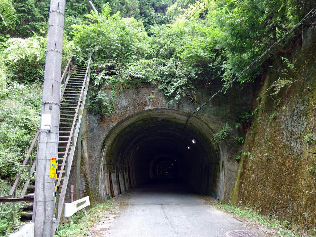 2017年9月11日 奈良県桜井市・吉野郡吉野町 鹿路トンネル」とりつきい ...