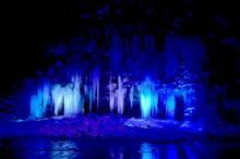 厳冬の絶景 秩父 尾ノ内渓谷氷柱・三十槌の氷柱