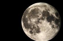 月の写真をいじくってみた(・∀・)