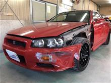 『日産 スカイライン GT-R 左側面事故 板金・塗装・修理』 東京都日野市よりご来店のお客様です。