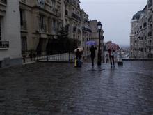 モンマルトルは雨