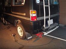 タイヤ交換とステップの取り付け