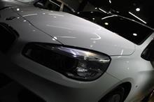 初のFF駆動。初のミニバン。BMW・218iアクティブツアラーのガラスコーティング【リボルト湘南】