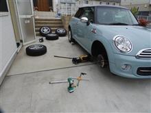 MiniCooperタイヤ交換(冬タイヤ~夏タイヤ)