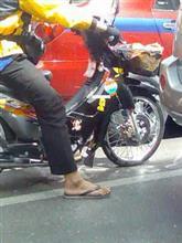 【アンケート協力依頼】サンダルでバイク運転して、キップを切られた方