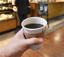 コーヒーでがんになるのか 日米で大論争
