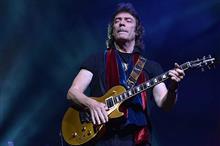 元GenesisのギタリストSteve HackettのLiveで川崎Club Citta'に行ってきました(^o^)/