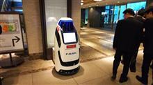 警備・案内のコミュニケーションロボット「Reborg-Χ」