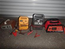 歴代の充電器たち
