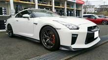 日産GT-Rにハイマウントカーボンリアウイング!