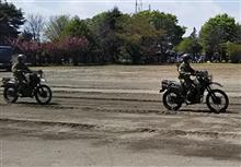 バイクと戦車の狂演