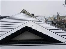 季節外れの積雪..