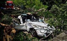 【悲劇】「トヨタ 2000GT 」倒木直撃事故の修理額は2億円で修理断念し部品売却へ