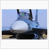 戦闘機 F-2 F-15 地 ...