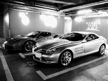 都会の駐車場、普通にスーパーカーが有るんだな・・・。