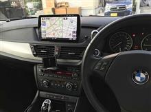 BMW X1に大画面ナビ装着