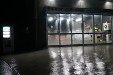 横浜より御入庫頂いてますCUBE 2層目のガラス皮膜塗り込み完了です^^