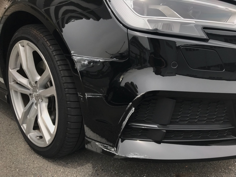 車場 駐 車 ぶつけ られ た
