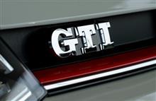 ―up! GTIを、観察する。
