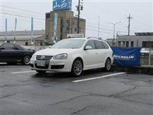メンテナンスは大事...VW ゴルフⅤヴァリアント エンジンオイル交換 FUCHS