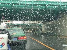 雨のドライブで、日本の誇るスーパーカーと♪