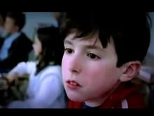 少年が見たものは… ポルシェのEVテイカン