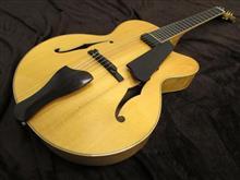 フルアコギターのペグ交換