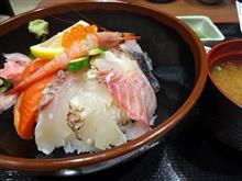 重労働の慰安の海鮮丼