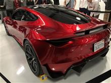 魅惑的な Tesla Roadster