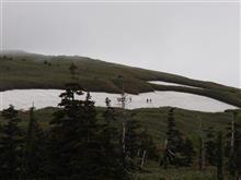 雪渓の残る三ツ石山