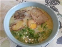 ある日の昼御飯45 地元の村の有名豚骨ラーメン / 熊本