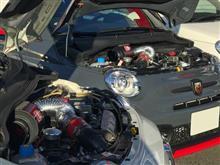 アバルト595 カーボンエアインテークシステム(エアクリーナー)お取り付け。2台並ぶとカッコイイ!