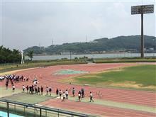福山市陸上競技場に来ています。