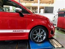 アバルト500には、このくらいの車高がお似合い。ビルシュタインB14 車高調装着。