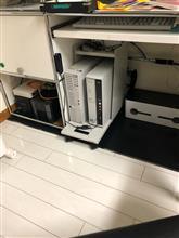 水冷式のサーバーは静かでコンパクトで熱くならない 三拍子‼️