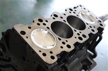 ランエボ 4G63 エンジン組込中。